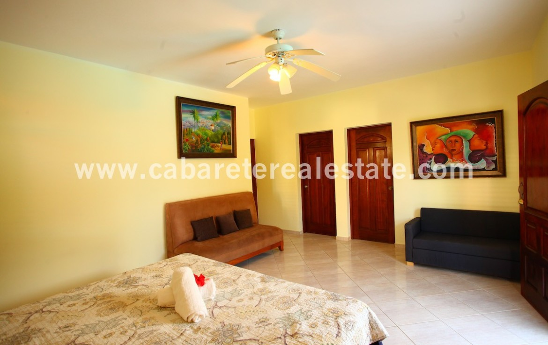 art decor in caribbean style house cabarete