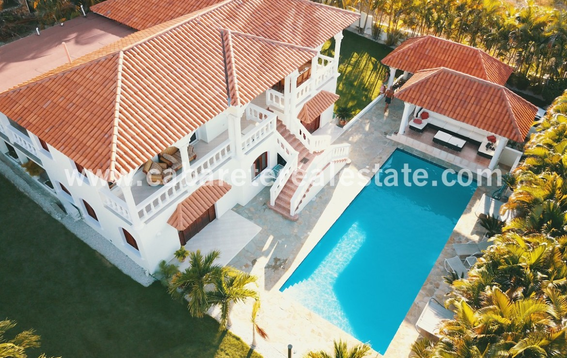 caribbean style house in cabarete with huge garden and pool area