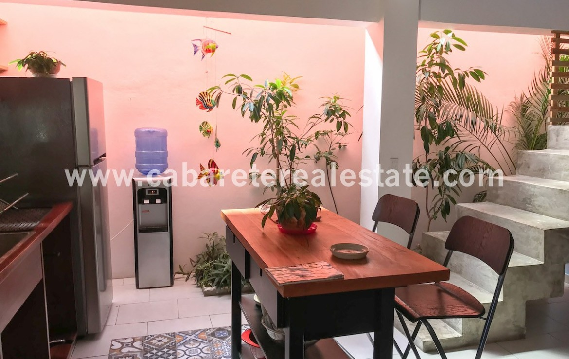 Fully equipped kitchen Bed and Breakfast Cabarete close to the Lagoon