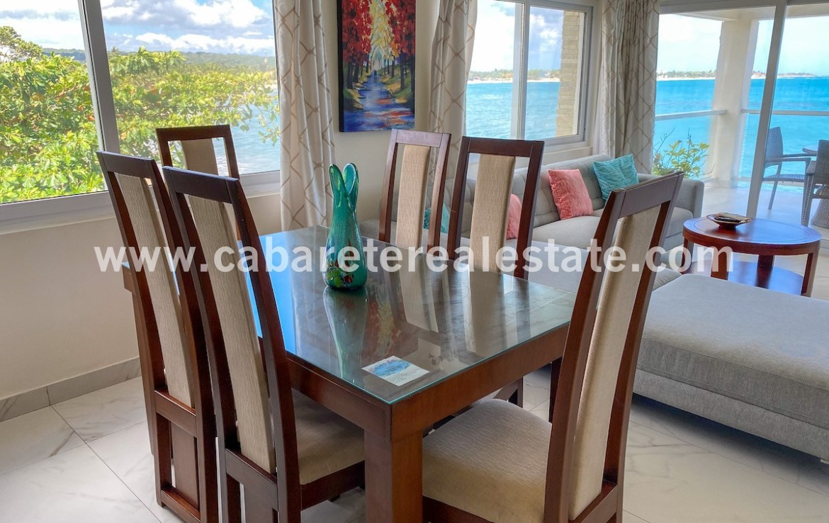 dinning area with amazing ocean view