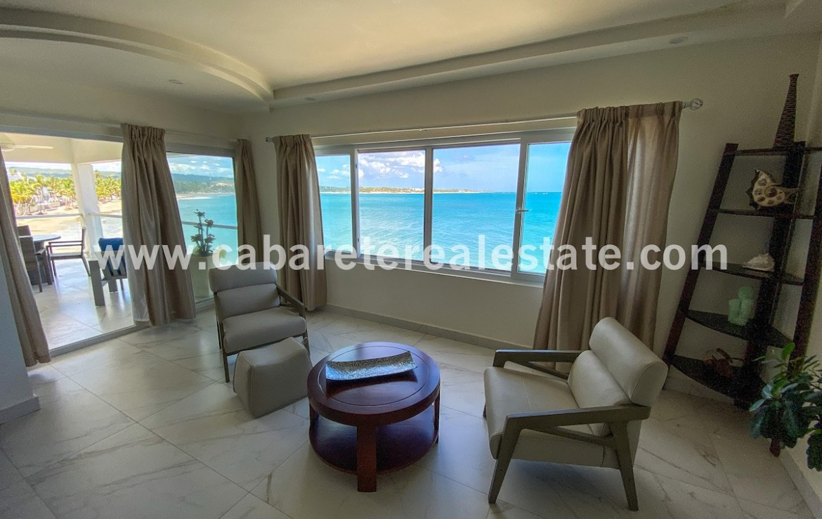 masterbedroom with stunning ocean view in beachouse directly at cabarete bay