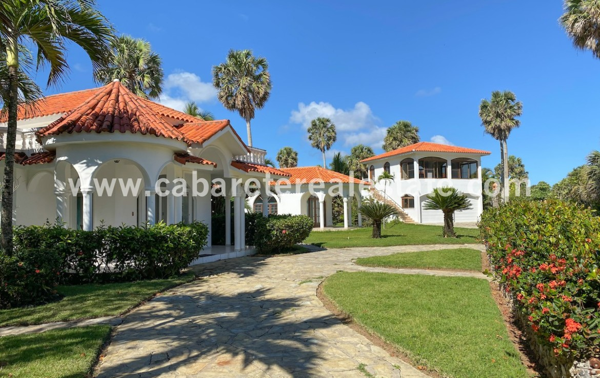 gorgeous beachfront villa between cabarete and sosua