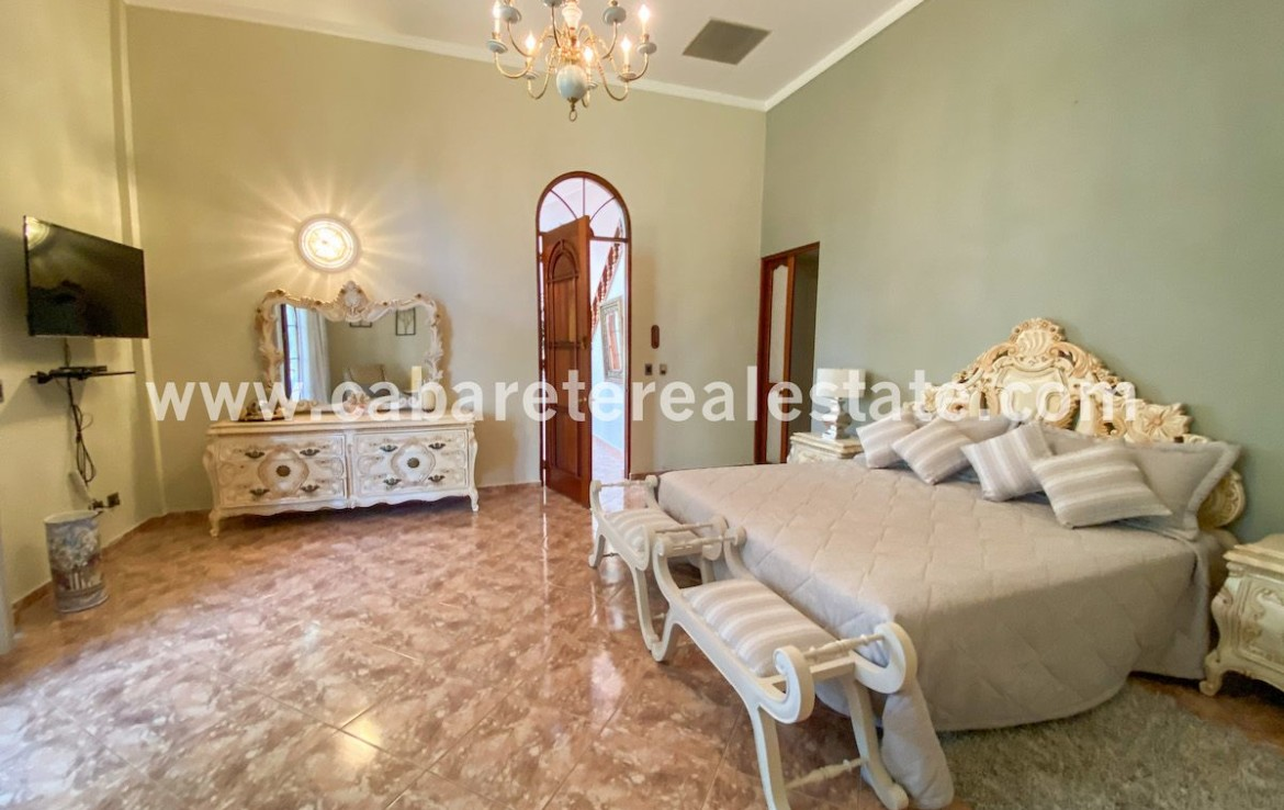 Stunny and spacious bedroom in six bedrooms villa by the ocean in Cabarete Dominican Republic