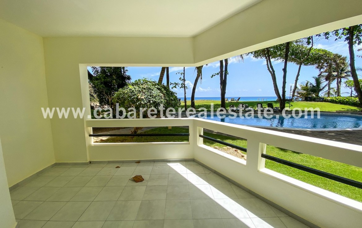 Terrace beachfront apartment Cabarete Real Estate