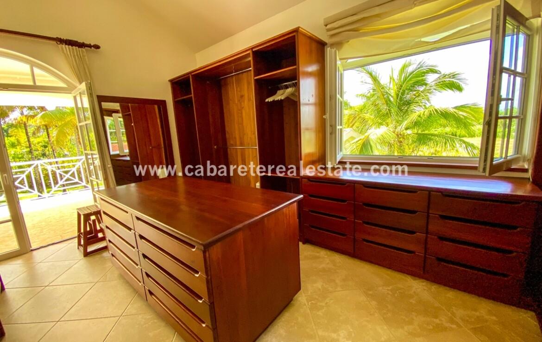 Walk in closet master bedroom Beach home Cabarete Real Estate