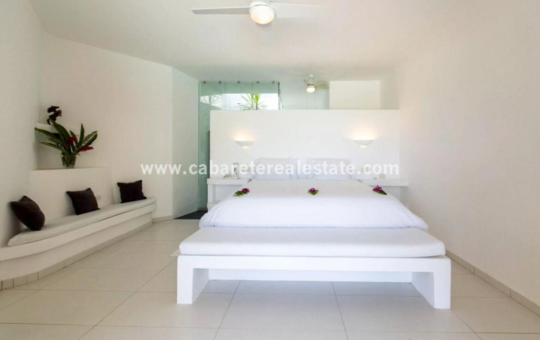 modern minimalist builtin closet master bath ensuite fan cabrera dominican republic 1