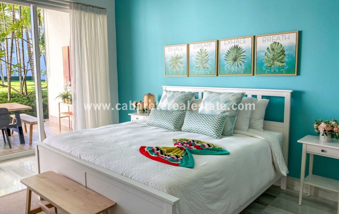 king queen view bed guest master view ocean bay cabarete oceanfront luxury aparthotel