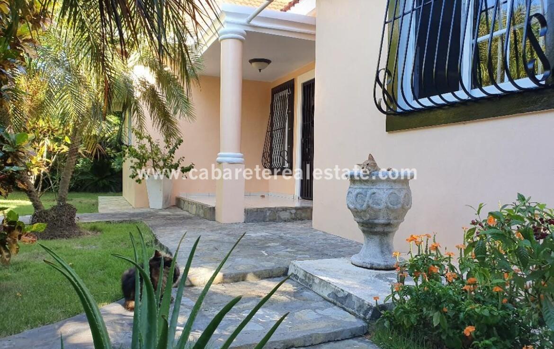 safe saftey secure garden windows gate Impeccable private cabarete villa